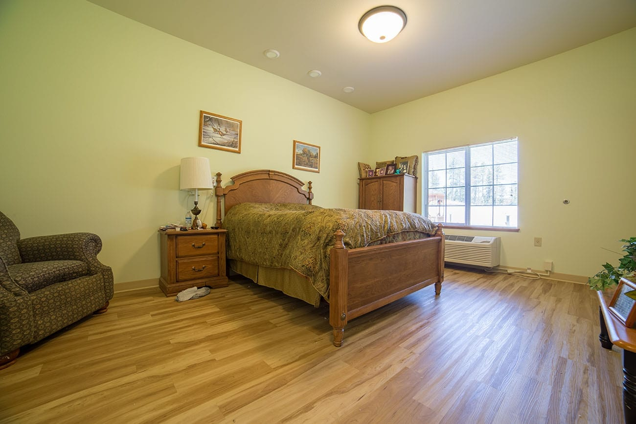 The Village at Skyline Pines memory care room